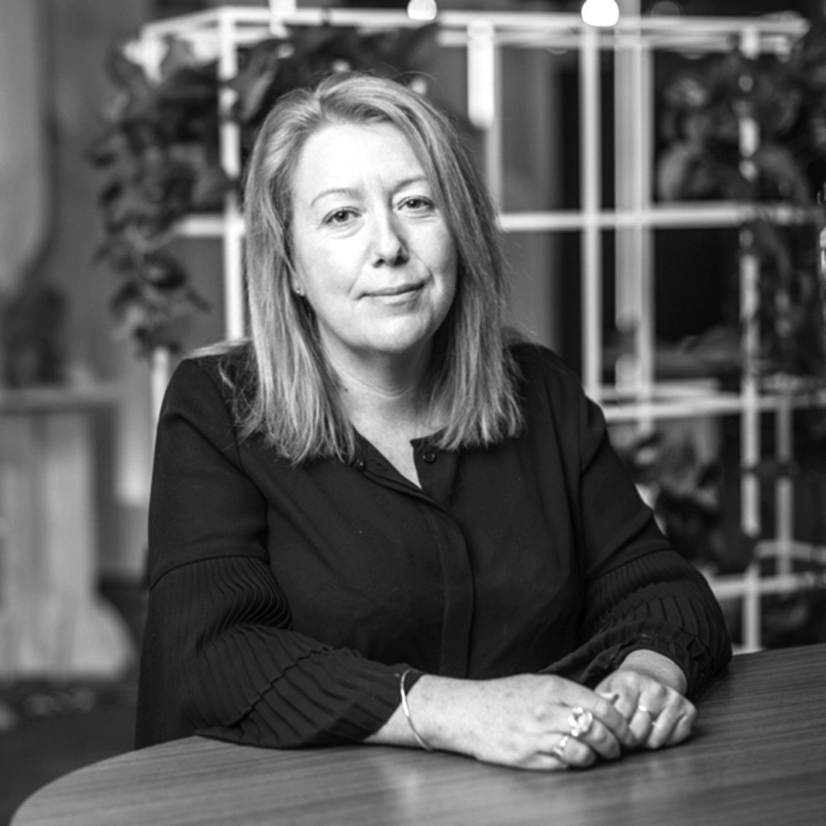 Designer Amanda Stanaway Agile Table
