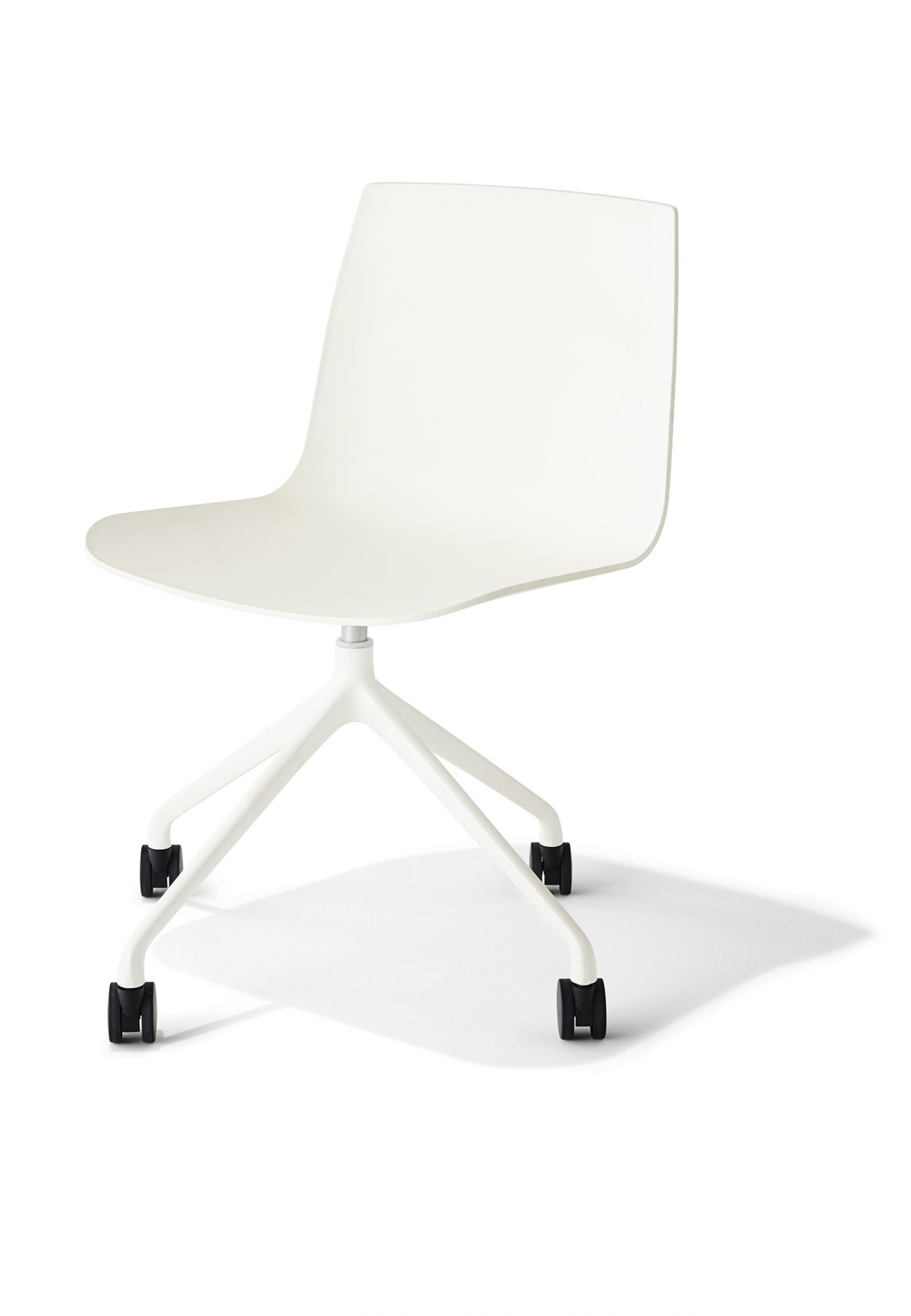 MR Chair white 4 star base