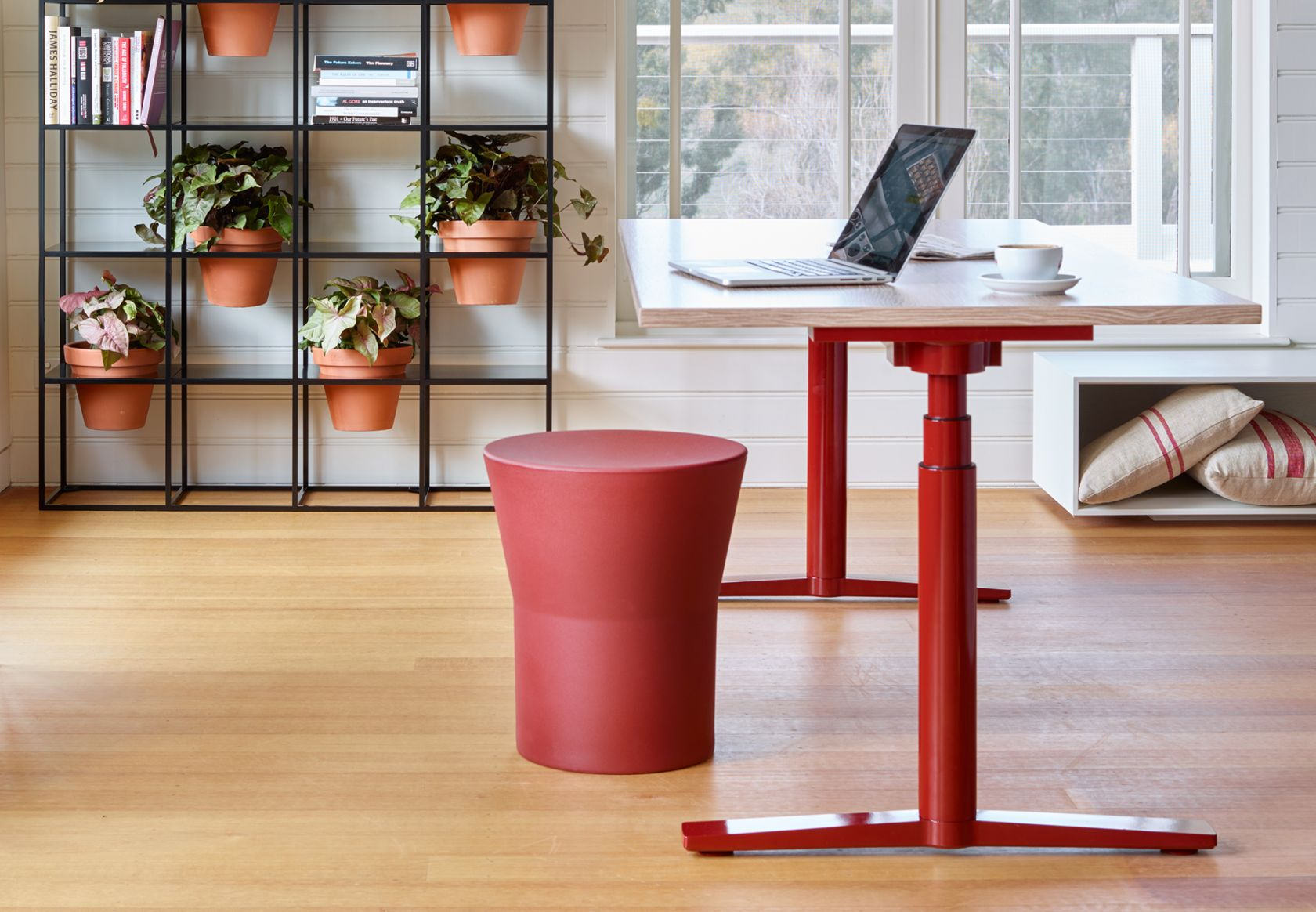 Tom Stool, Krossi and Vertical Garden
