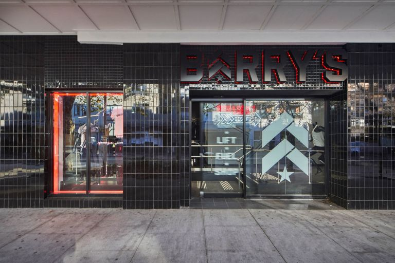 barrys bootcamp kings cross gym fitness construction fitout design streetscape signage subway tiles