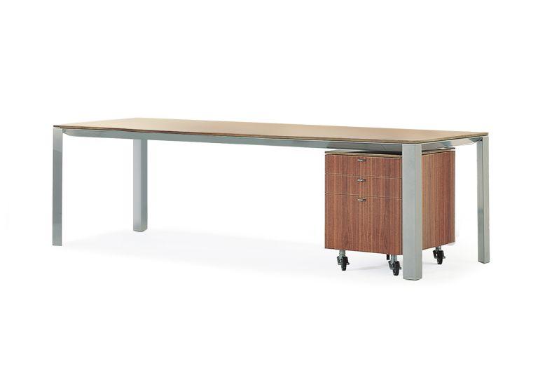 Alto Executive Desk