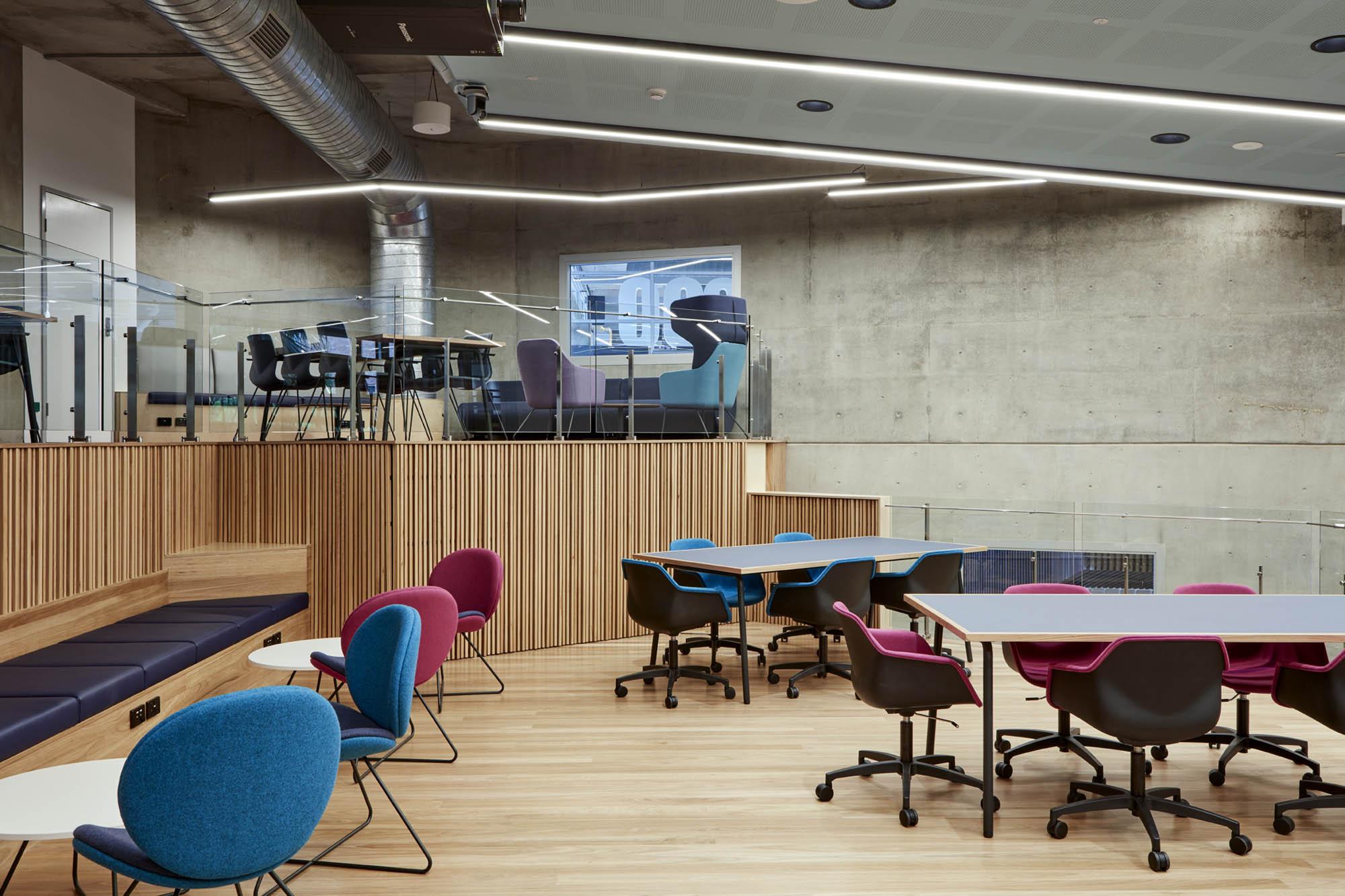qut d101 theatre brisbane fitout study desks