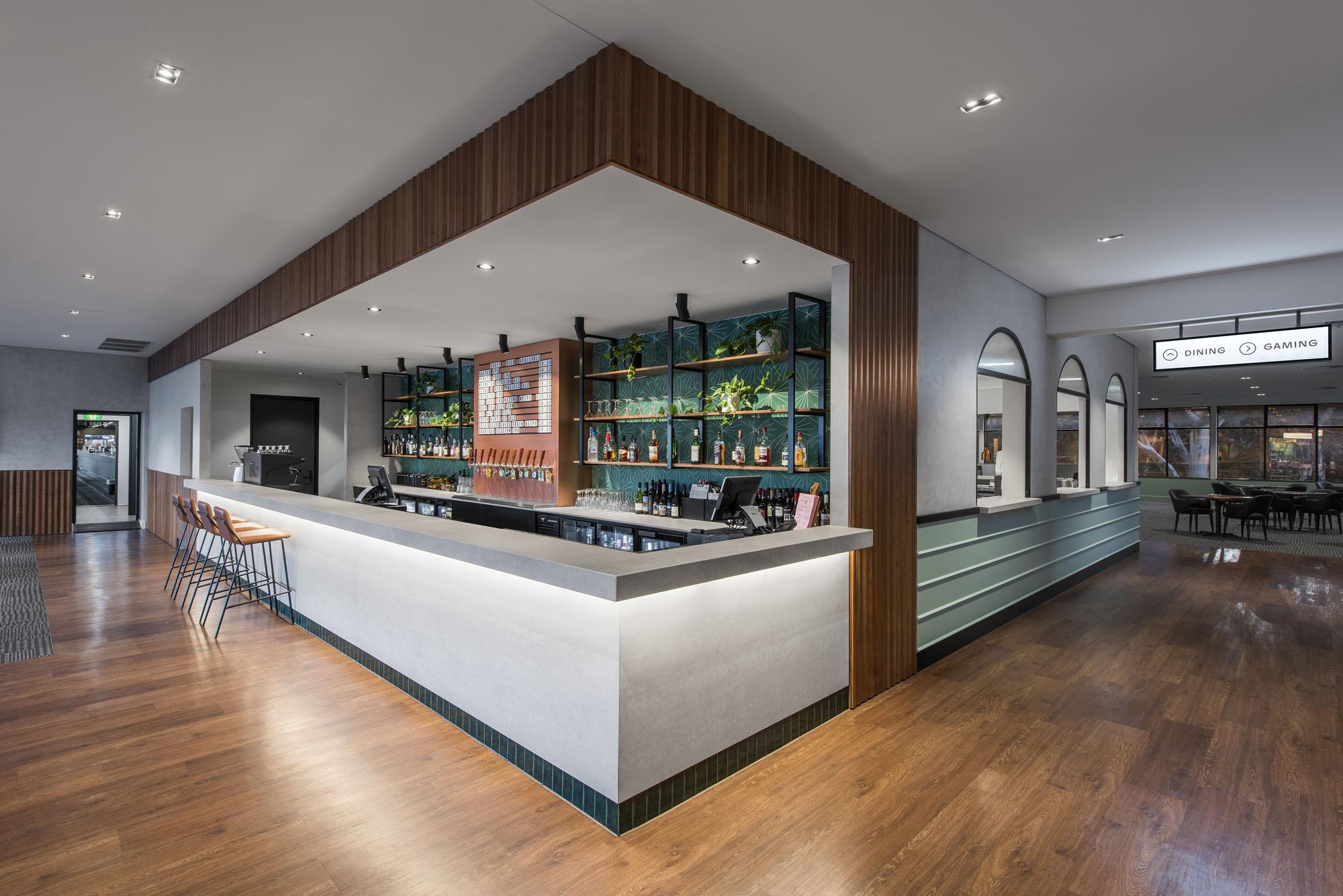 bridgeway hotel adelaide bar