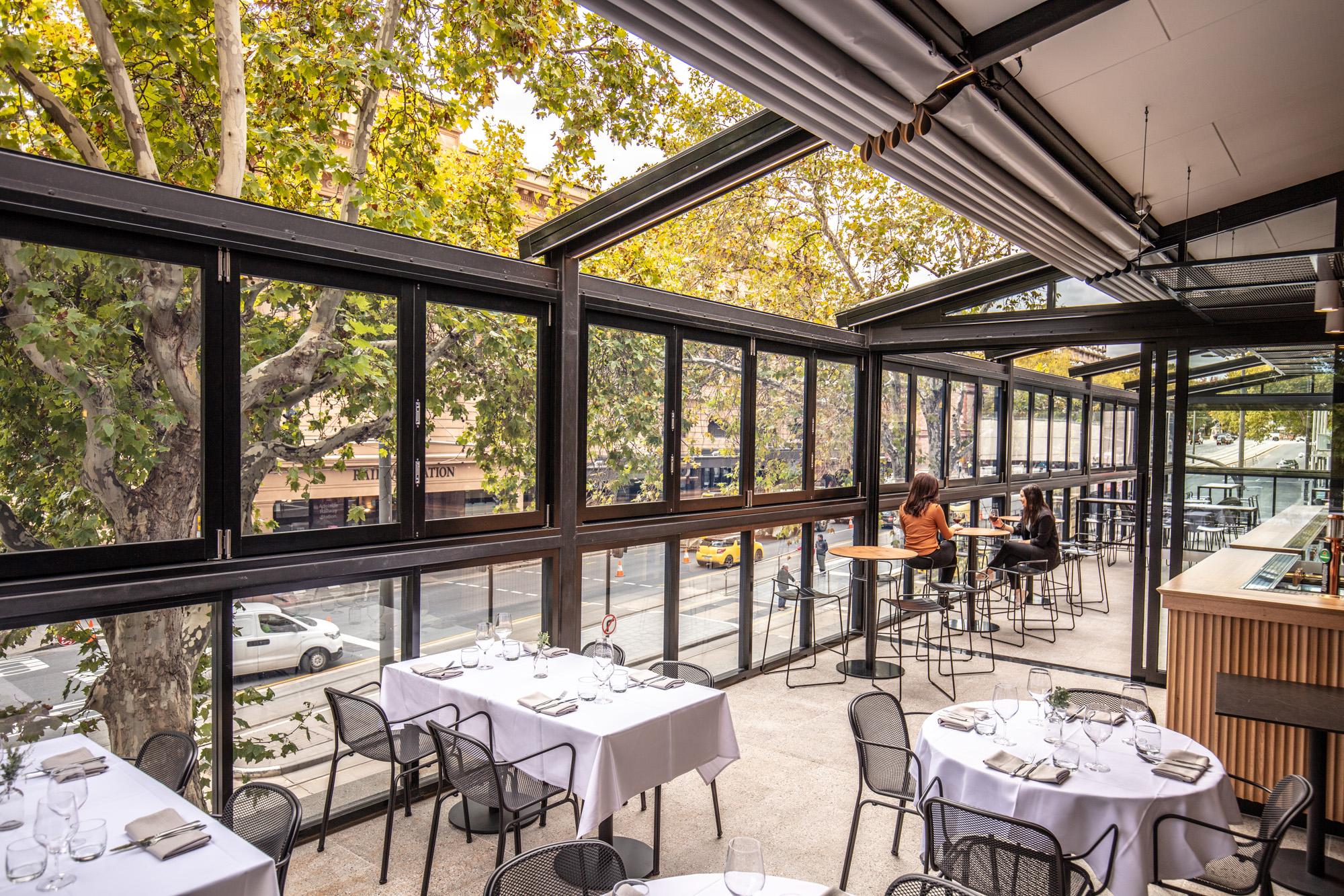 strathmore hotel adelaide verandah bar