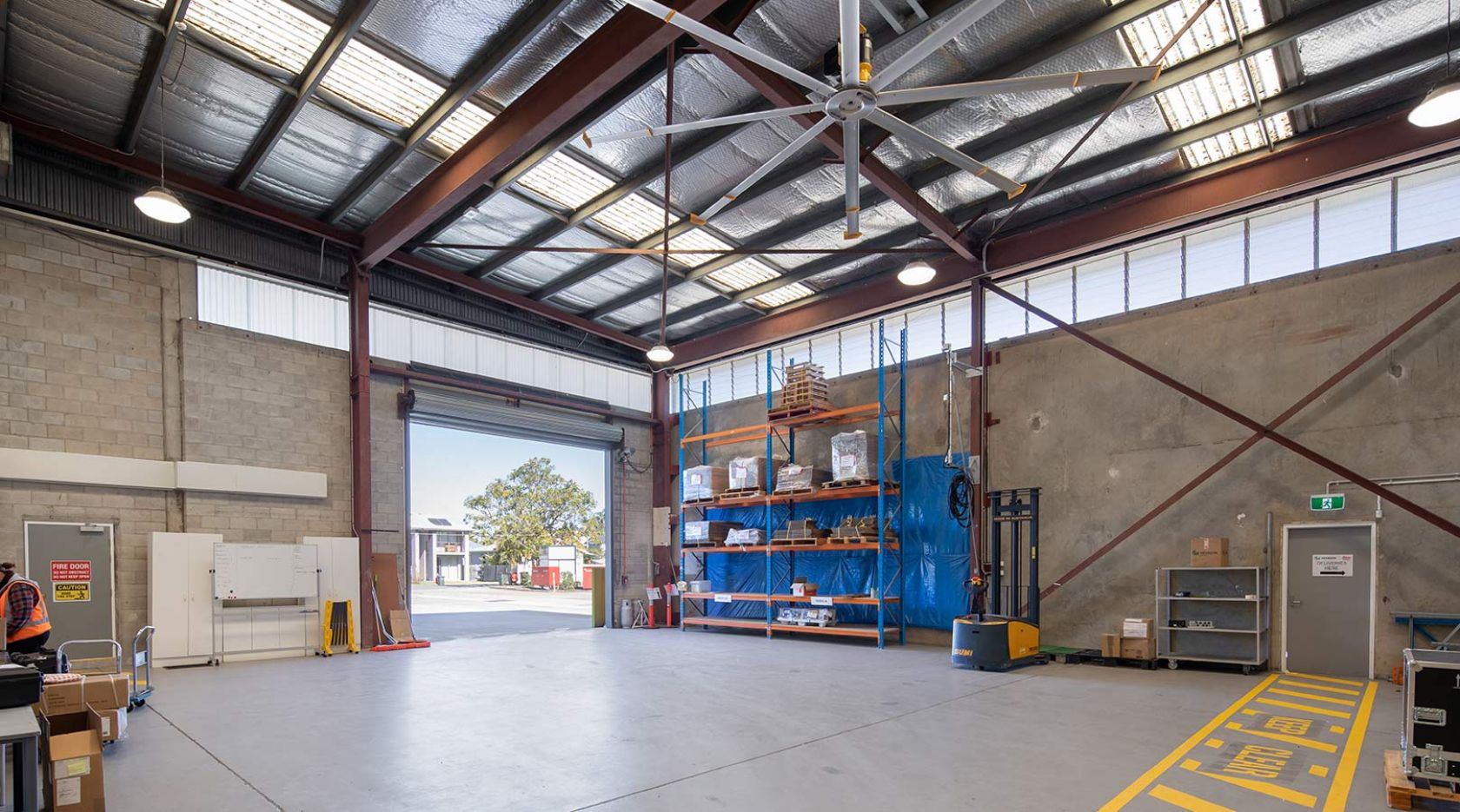 hexagon mining brisbane schiavello construction fitout industrial warehouse delivery bay