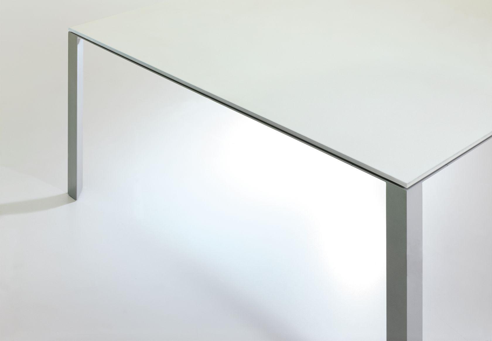 Alto Table White Background