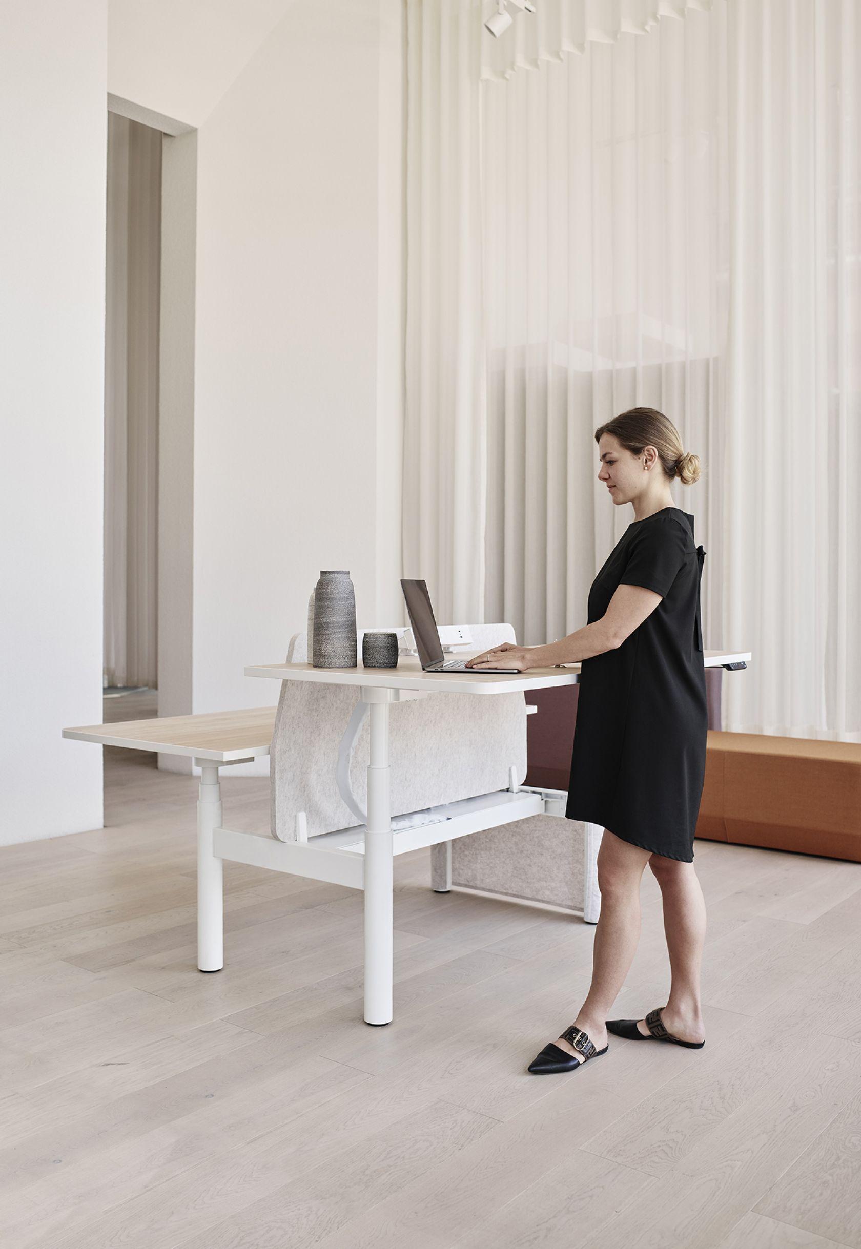 Krossi Sit Stand Workstation