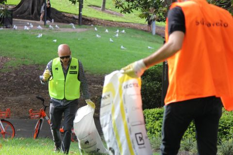 3-schiavello-male-staff-clean-up-australia-day.jpg