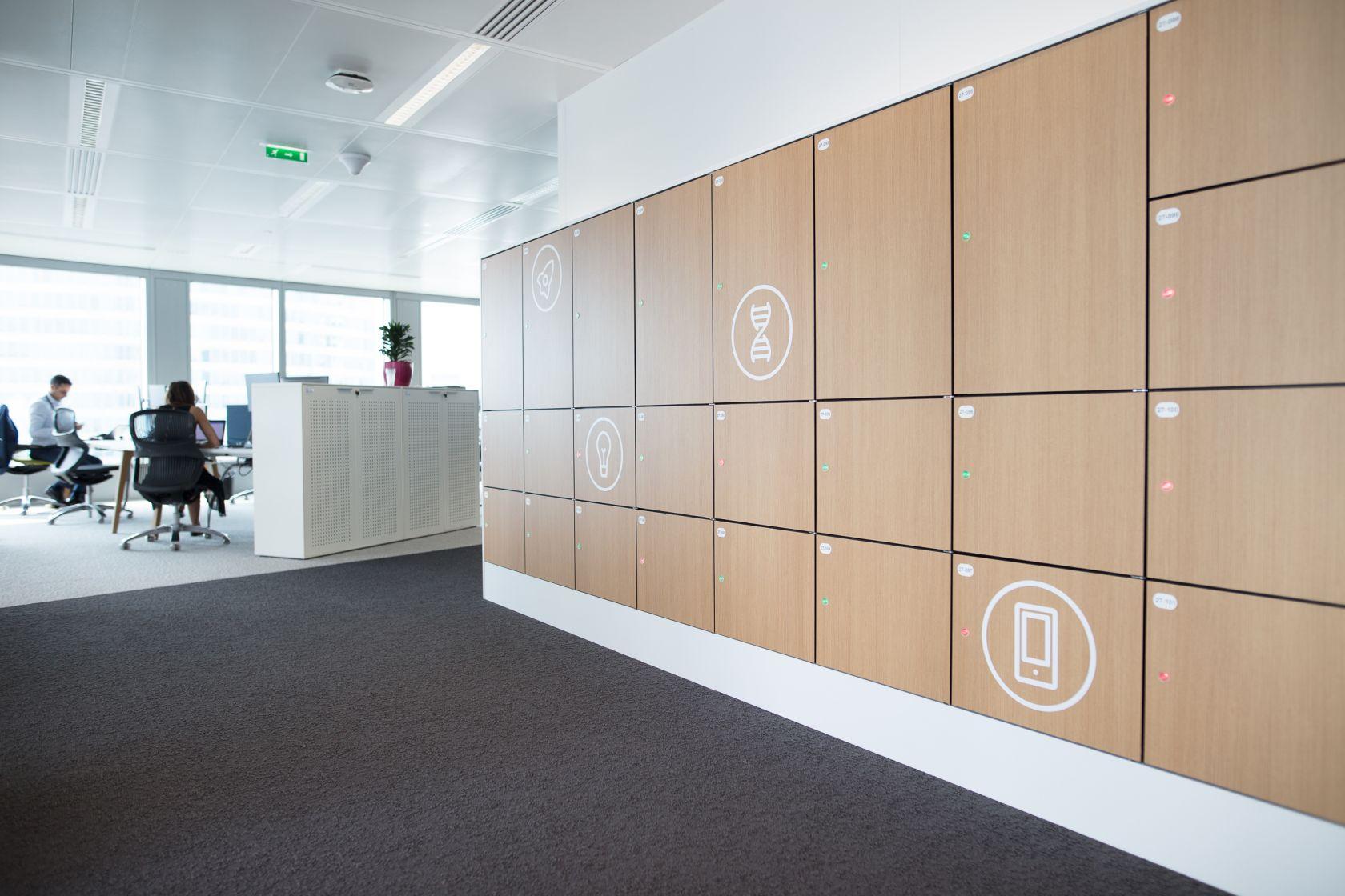 Vecos lockers / In oak
