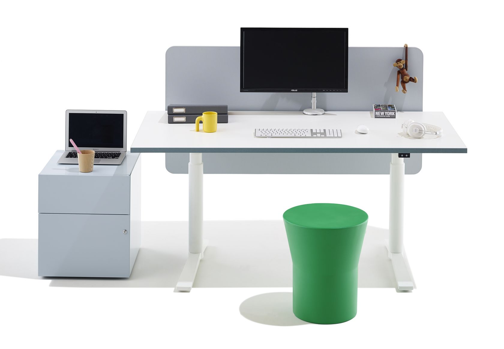 Krossi Workstation, Scope and Tom Stool