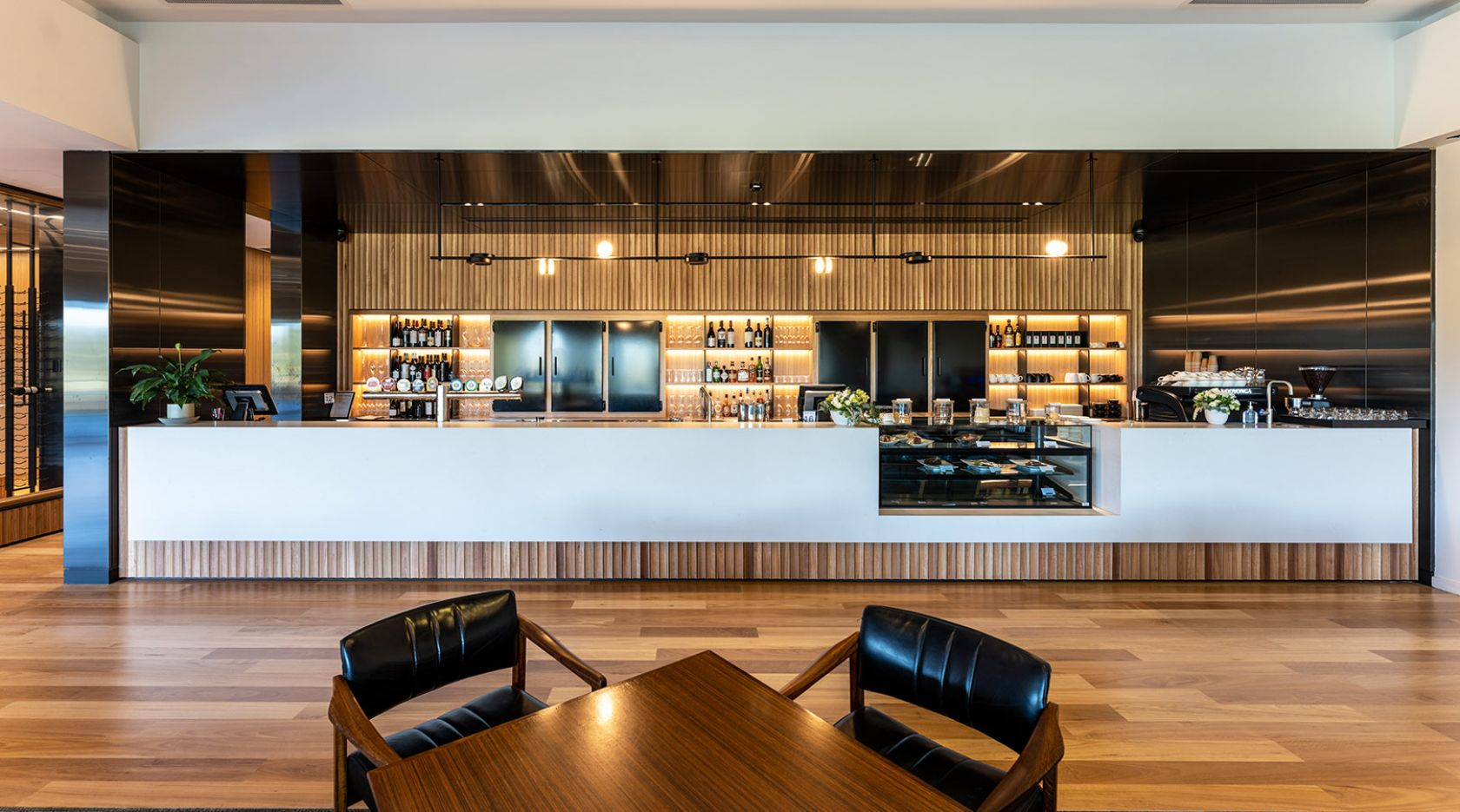 kooyonga golf club adelaide schiavello construction fitout bar